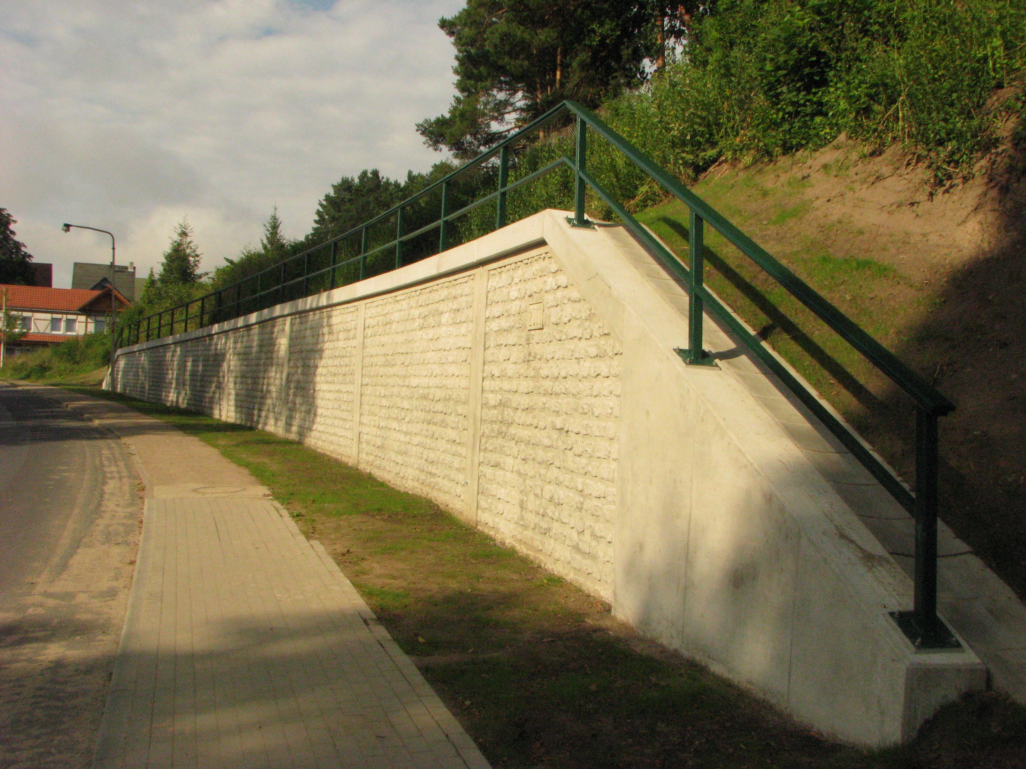 Ersatzneubau einer Stützwand zur Böschungssicherung in Feldberg